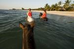 horseback_benguerra_island